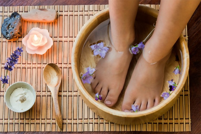 epsom-salt-foot-soak-with-lavender